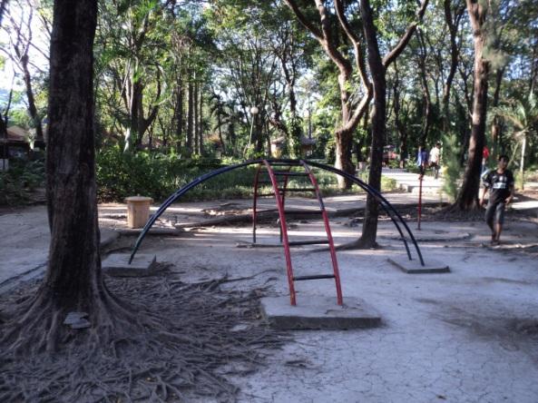 Taman Flora Bratang