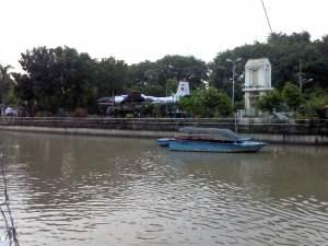 Perahu wisata di taman prestasi